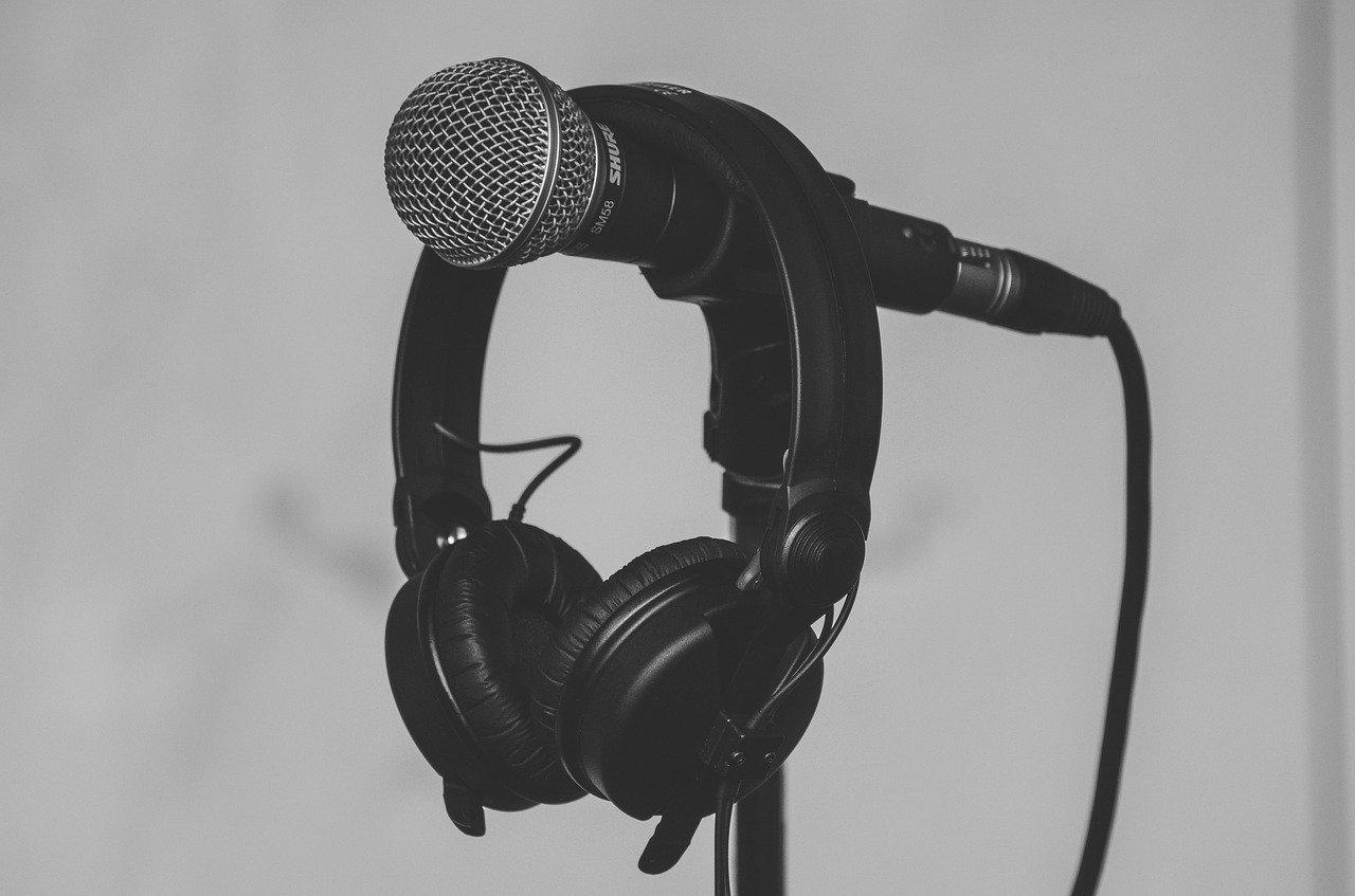 grey microphone grey background