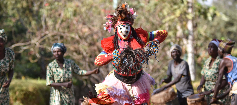 Gule Wamkulu in Malawi dansen een prachtig ritueel